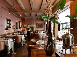 Salle du restaurant Cazaudehore